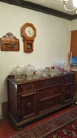 Buffet cabinet and dishware