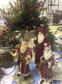 Many santas