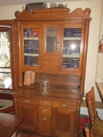 china cabinet with pull out surface