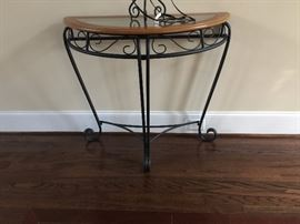 Did the flat screen idea pop into your mind??? Great foyer table.  Stay tuned for the mirror and hall tree.