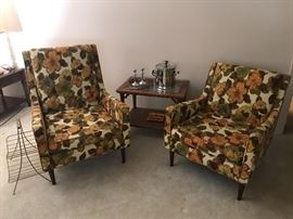 Brookwood chairs. In excellent condition