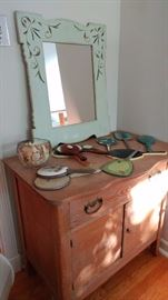 wash stand with hand mirror collection