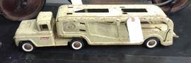 Vintage Strucco Auto-transport