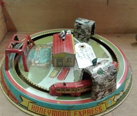 1940's-50's Marx Honeymoon Express Tin Wind-up Toy works