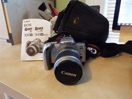 Cannon EOS Ti 35mm camera and case