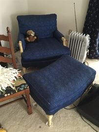 Great bedroom chair with ottoman
