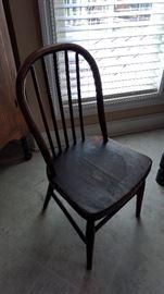 Old kids chair!  Super cute!!