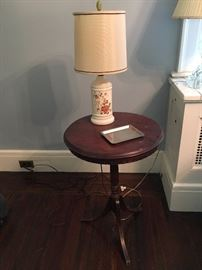 Lamp & table