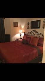 King Size Bed / King size comforter set / Decorative pillows