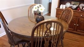 Oak dinning table and 6 chairs