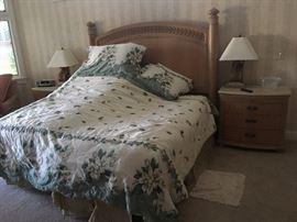 Queen bed is a Craftmatic adjustable