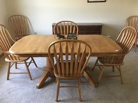 Another Amish piece -- or should I say pieces?  Impeccably done: a dining room table and six chairs.
