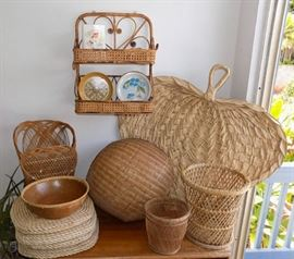MIT012 Baskets & Other Woven Items