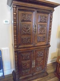 Armoire w/5 drawers