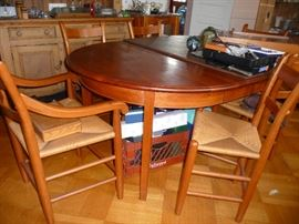 CHARLES Shackleton Round Extending Dining Table/8 rush-seat chairs