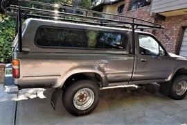1989 Toyota Long Bed with Shell Rack
