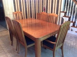 Oak dining set with extra leaf AND table pad-made in the USA!