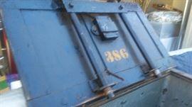 WELLS FARGO/RAILWAY EXPRESS AGENCY STRONG BOX