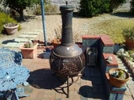 Cast Iron Pot Belly Chiminea