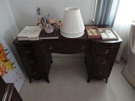 Phenix queen bedroom set