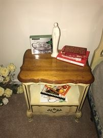 BASSETT FURNITURE FRENCH PROVINCIAL NIGHTSTAND