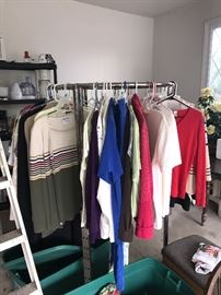 CLOTHING AND PROFESSIONAL STORE GRADE CLOTHING RACK