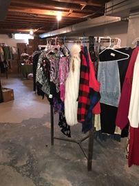 VINTAGE CLOTHING AND ROUND METAL RACK