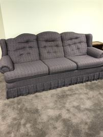 VINTAGE COUNRTY STYLE SOFA