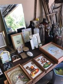 PICTURE FRAMES AND WALL ART