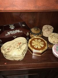 TRINKET WOODEN, PORCELAIN AND LEATHER BOXES