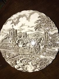 VINTAGE COLLECTIBLE PLATES