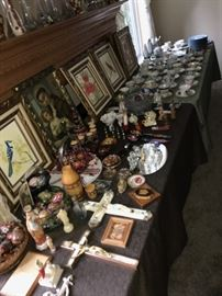 TONS OF ETHNIC UKRAINIAN COLLECTIBLES