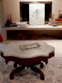 LOVELY TURTLE TOP MARBLE WALNUT TABLE