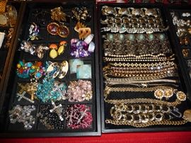 EARRINGS, BRACELETS, ROSARIES