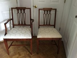 """Pennsylvania House Dining Room Table with 6 Chairs 67"""" L x 44""""W with (2) 20"""" extensions and table pads Full set $395"""