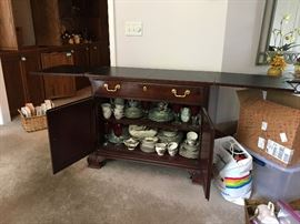 Thomasville Bar Cart with flip top 42L closed Flip top dimesions 81L Buy IT NOW $240
