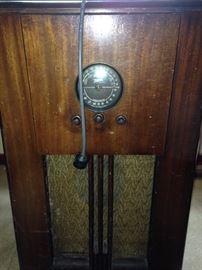 1930's Zenith radio--it works!