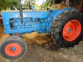 Fordson tractor - runs good!