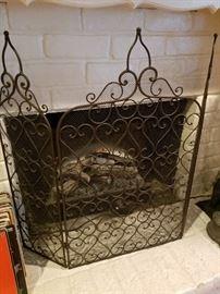 Fireplace screen, logs