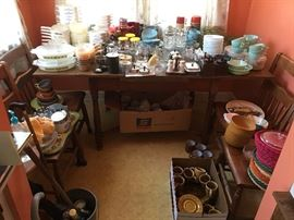 SO MANY DISHES!!! melamine sets, fine china, and every day