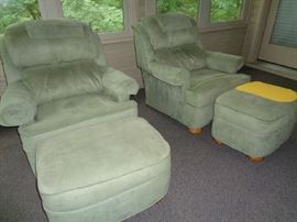 pair matching chairs w/ottoman
