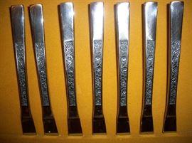 Pattern on flatware