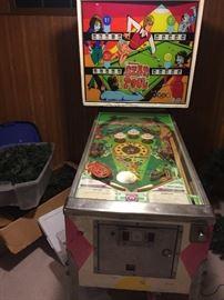 Williams Star Pool pinball machine...works well!