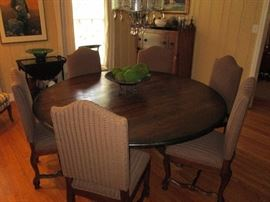 Set of Six elegant dining room chairs