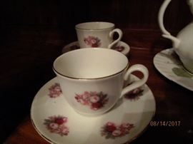 Royal Vale bone china - made in England