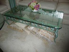 GLASS/METAL COFFEE TABLE