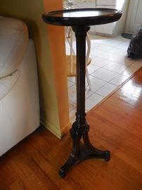 Bombay Mahogany Pedestal
