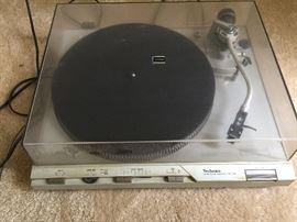 vintage Technics turntable SL-D3
