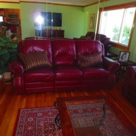 LEATHER LIVING ROOM SUITE WITH RECLINERS