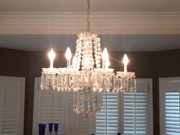 Beautiful, 6-light crystal chandelier.